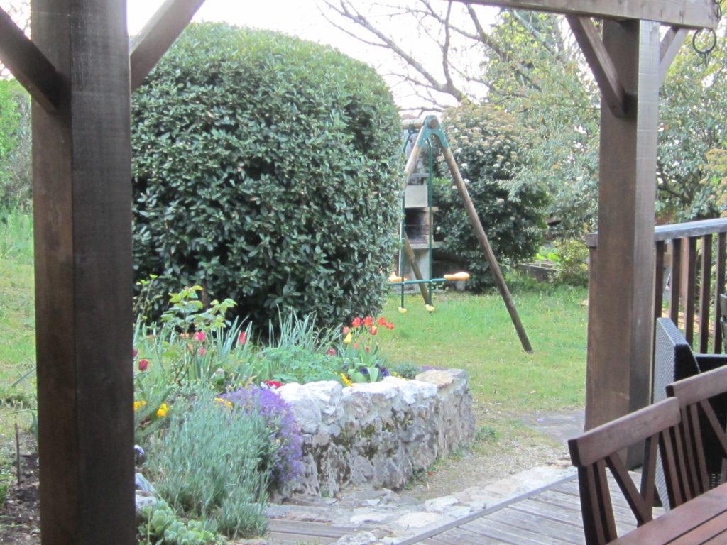 Le jardin entre détente et convivialité au bord du Lac du Bourget